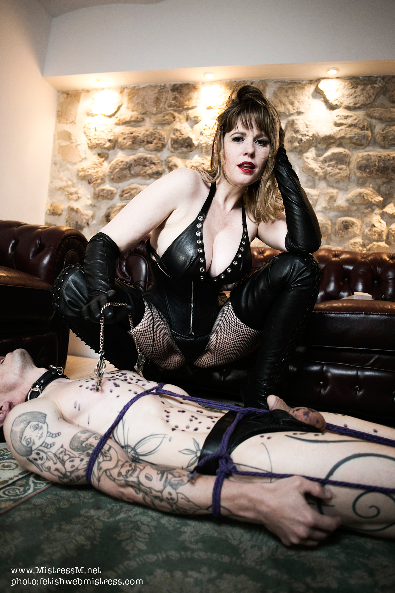 leather domination films Paris Maitresse
