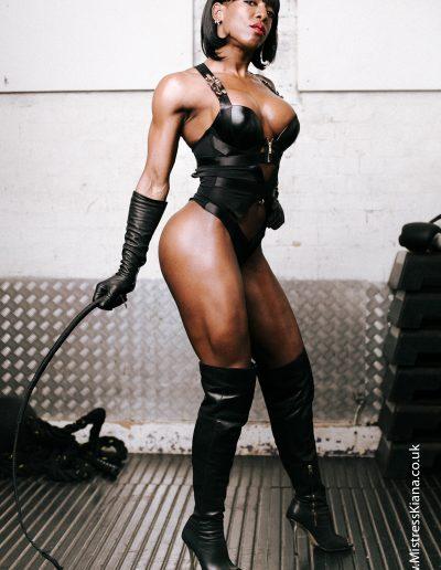dominatrix photography of fit mistress Kiana