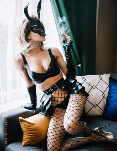 Mistress Gina Regina